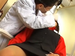 Lovely young asian gets on her knees to suck a unsighted 10-Pounder