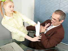 Busty blonde gets seduced into fucking her cunt with the instructor