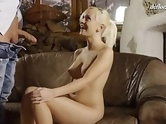 Cute hotty feels a dong unfathomable in her vagina for the first time
